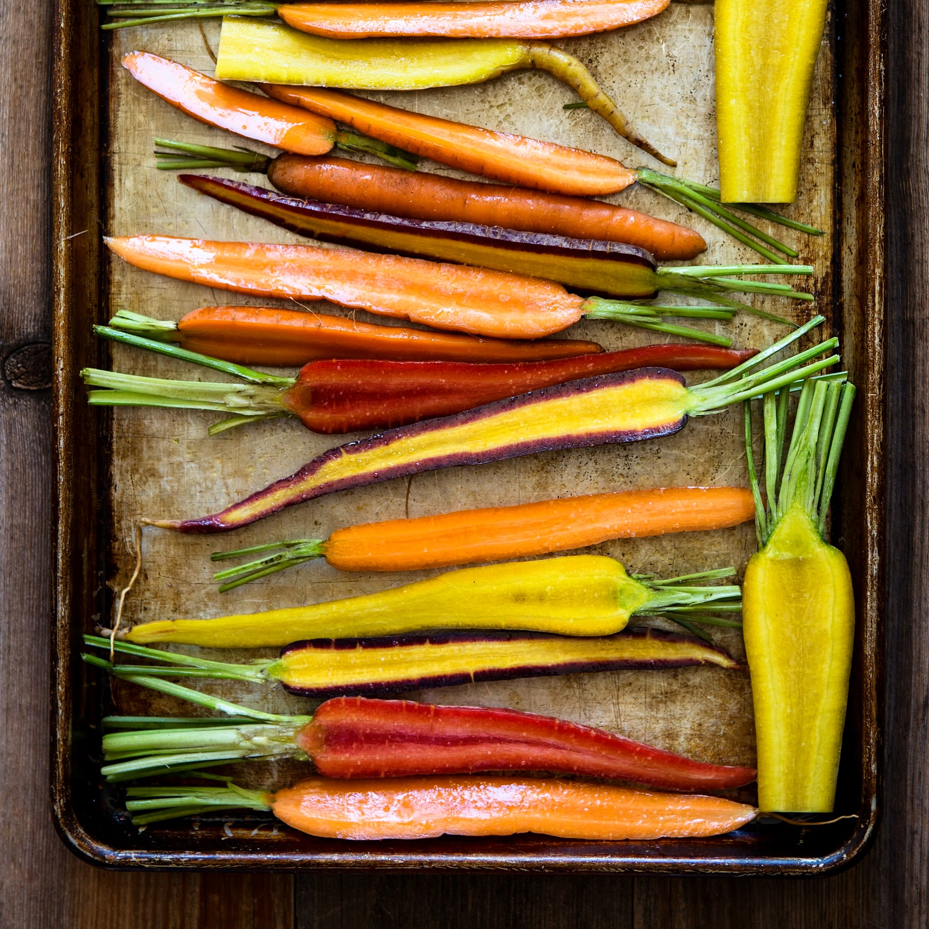 Garlic Roasted Carrots with Thyme