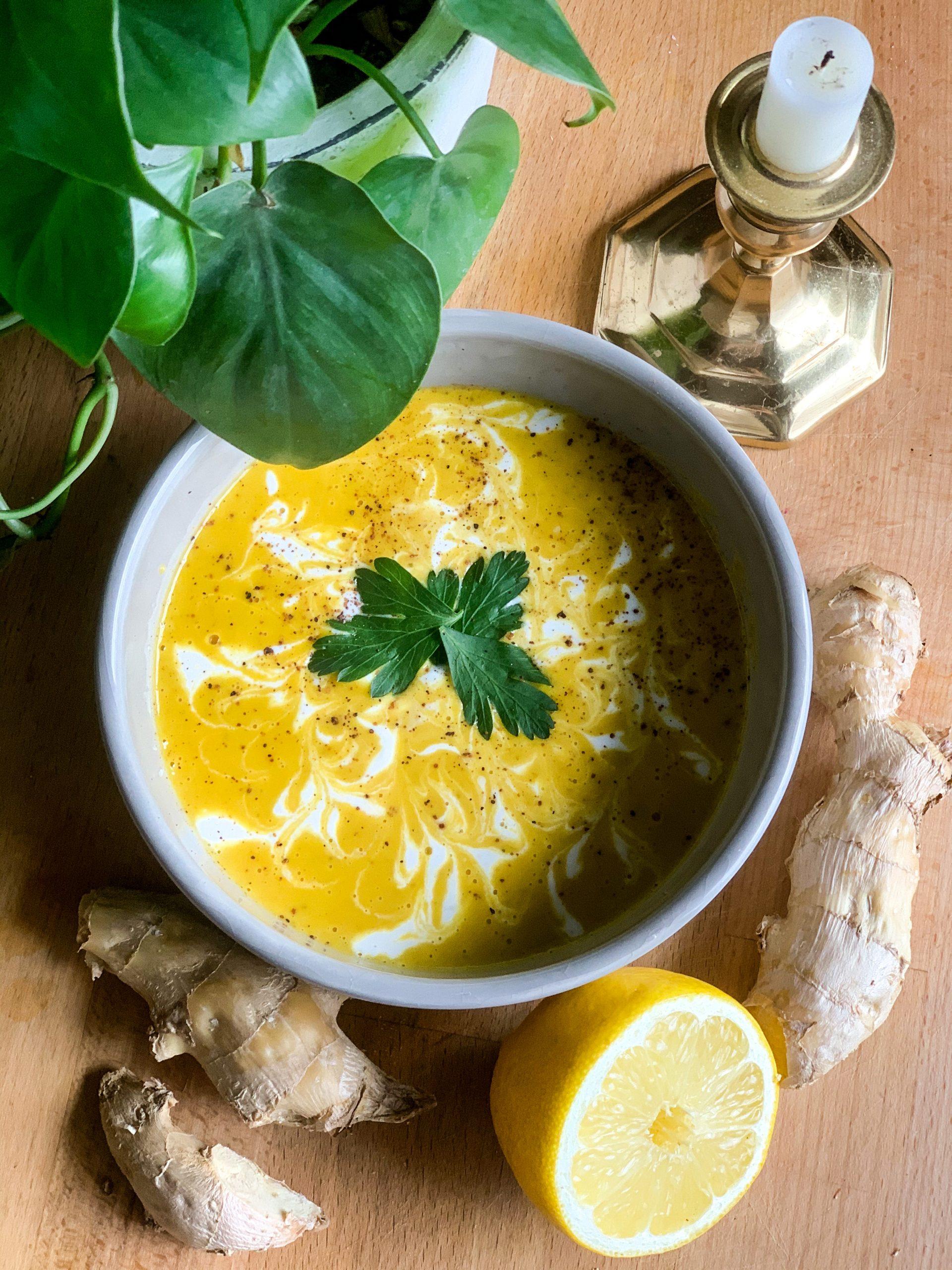 Sunshine Soup               (Carrot Apple Ginger)